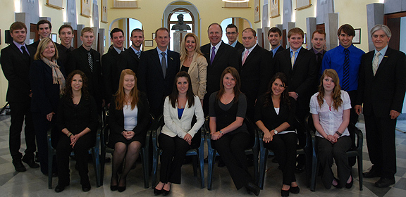 ASC students and faculty with President Anderson and Mayor of Sorrento