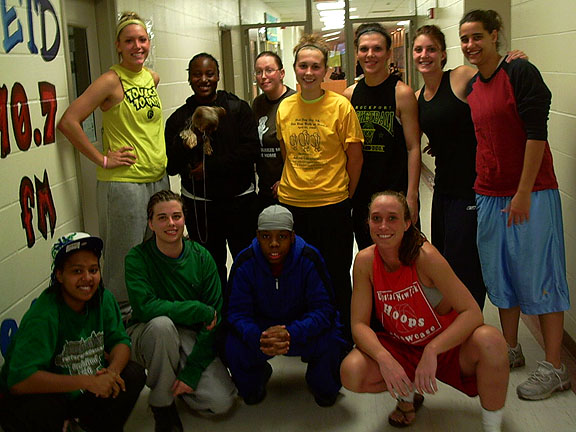 women's basketball game participants