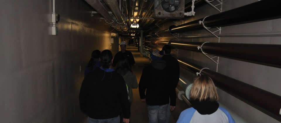 underground tunnel, pipes