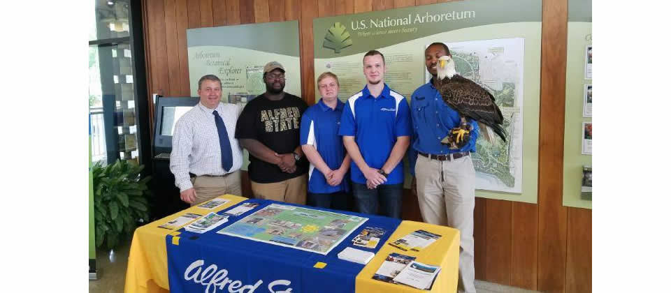 students and professor at US National Arboretum