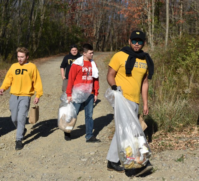 Students volunteering for Celebrate Service Celebrate Allegany