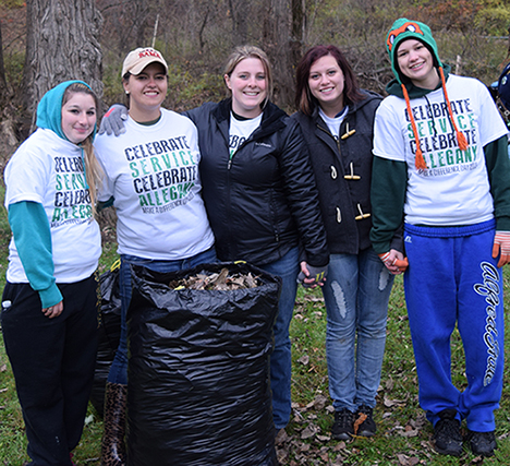 5 student volunteers at Make a Difference Day: Celebrate Service, Celebrate Allegany