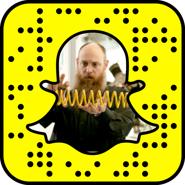 Snapcode linking to mechanical and electrical engineering technology web page