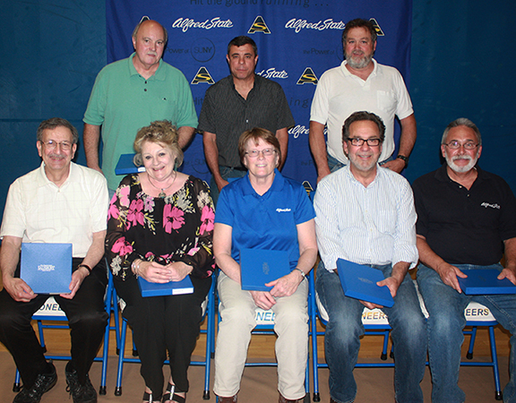 Faculty and staff members who retired this year