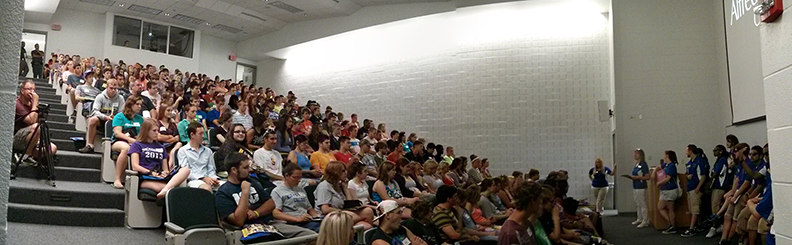 SET filled with students at orientation